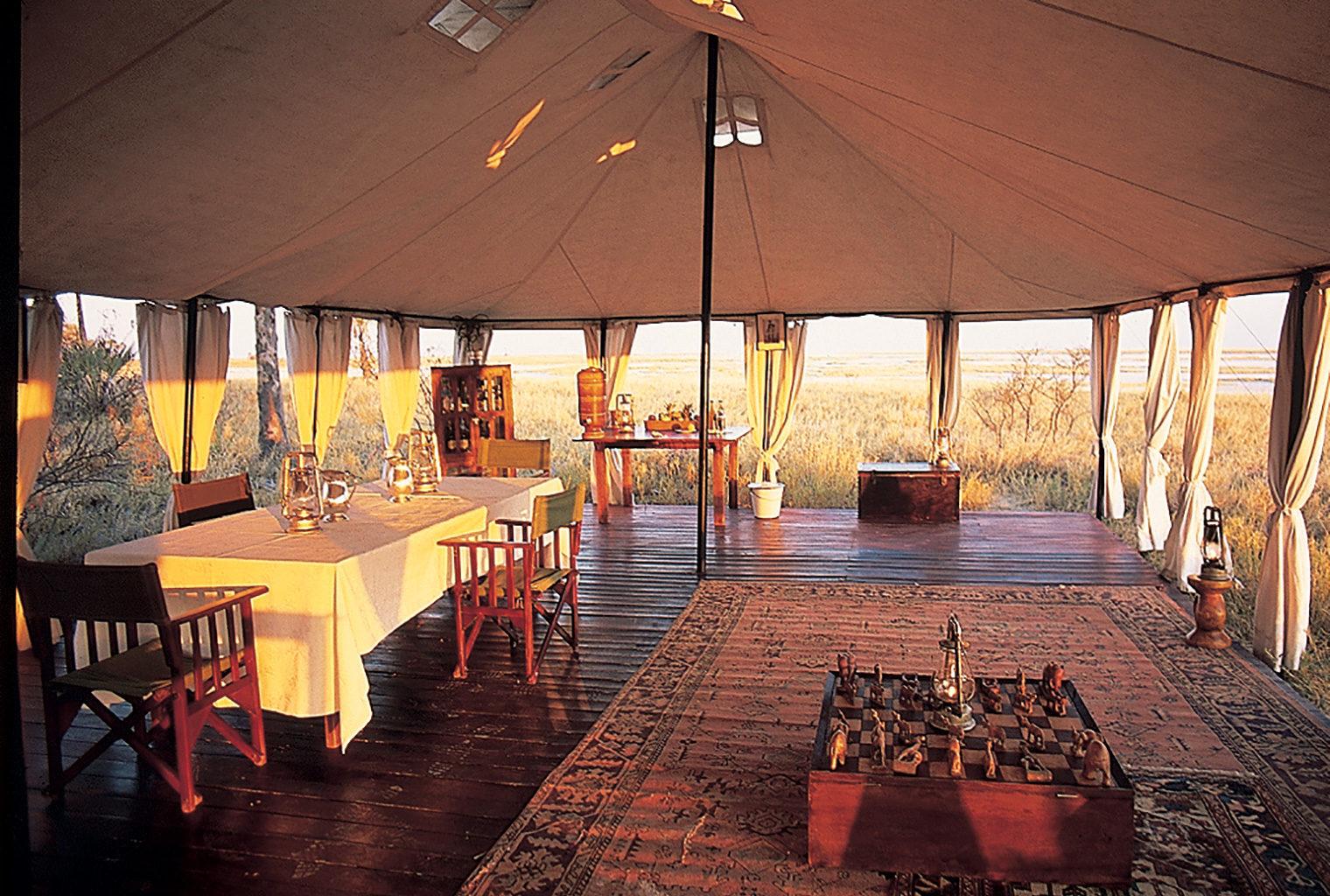 San-Camp-Botswana-Livingroom