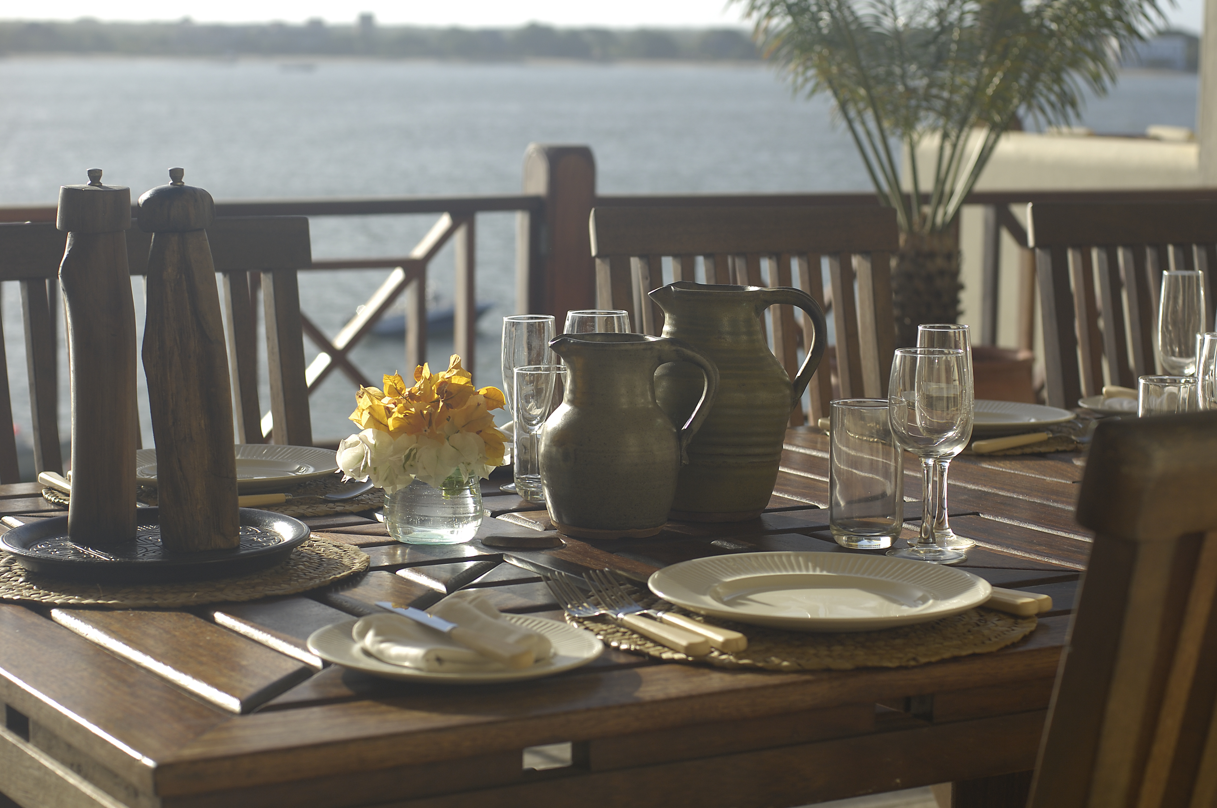 Beach-House-Kenya-Table