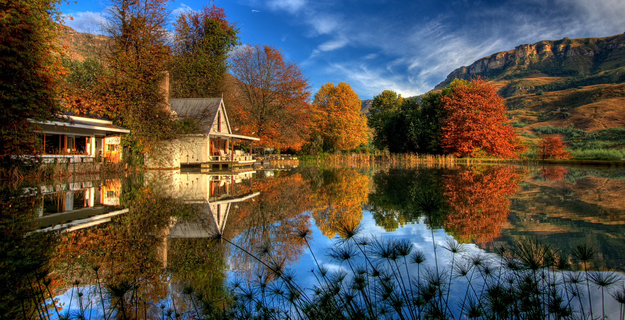 Cleopatra Mountain Farmhouse in Autumn