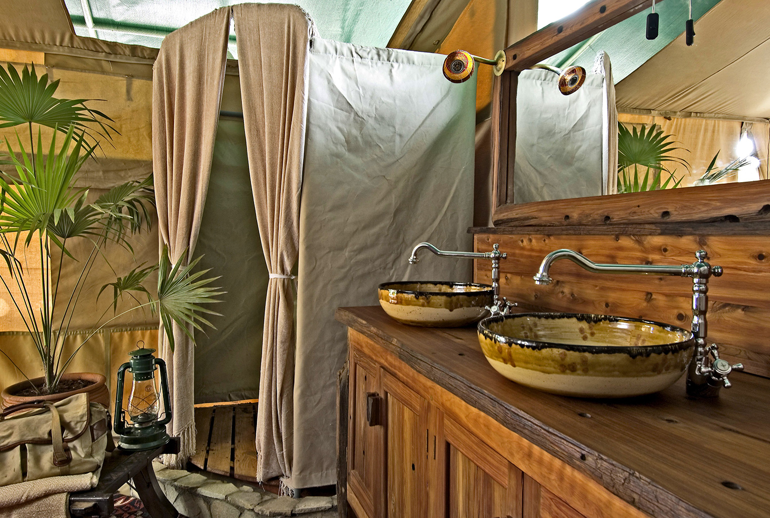Kicheche-Laikipia-Camp-Bathroom