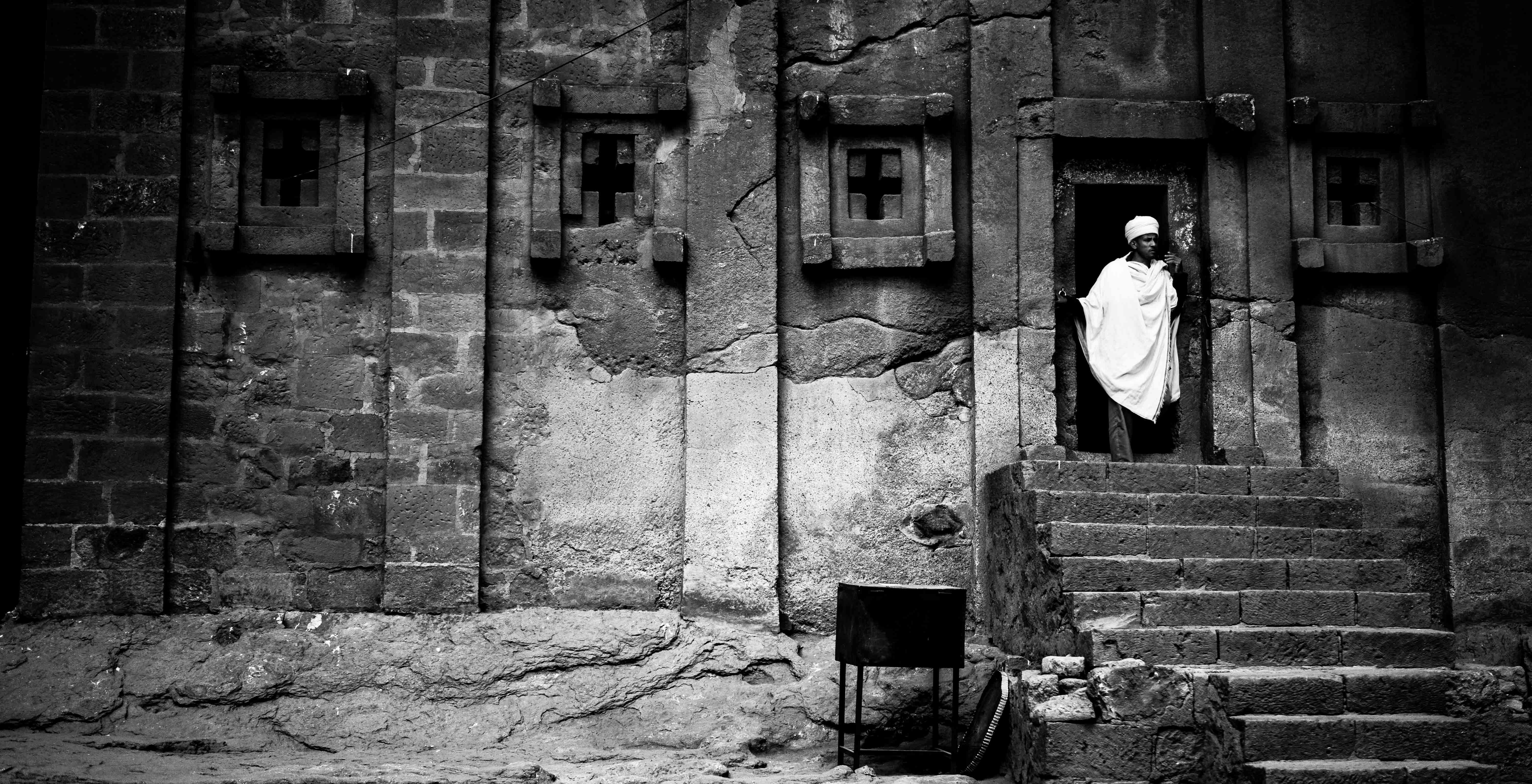 Paul Callcutt's pic of priest at Lalibela