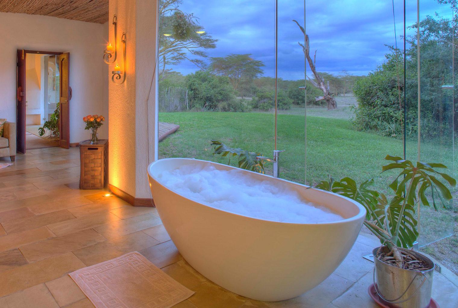 Solio-Lodge-Kenya-Bathroom