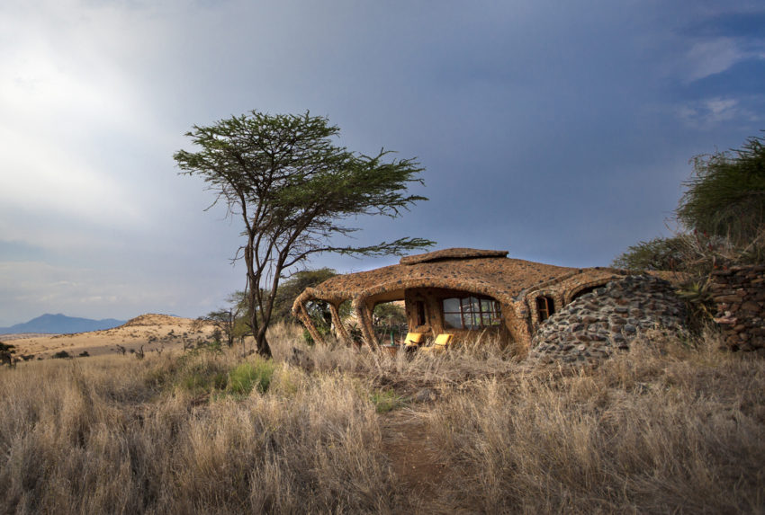Kenya-Lewa-House-Exterior