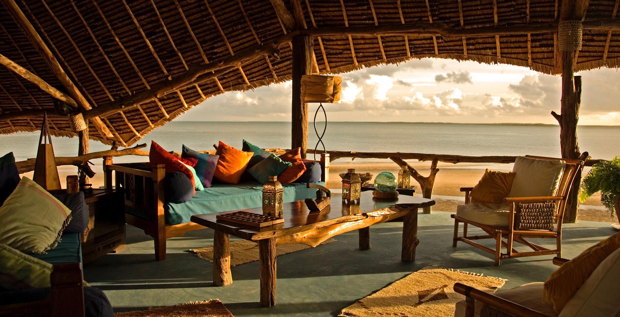 Kenya-Manda-Lodge-Bay-Lounge-Sunrise