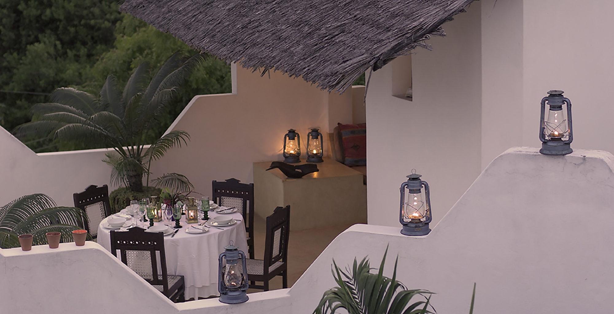 Kenya-Shela-And-Palm-House-Dining-Outdoors