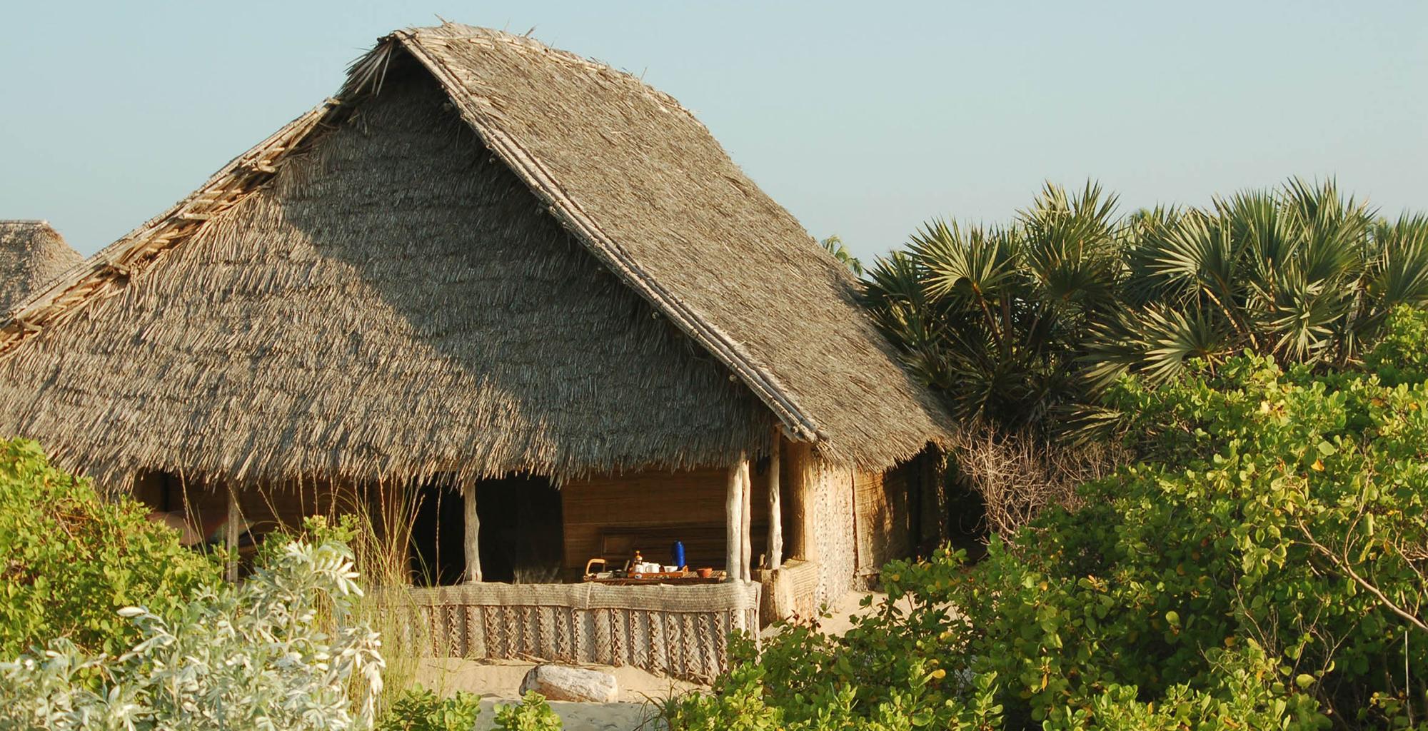 Kenya-Kizingo-Lodge-Exterior