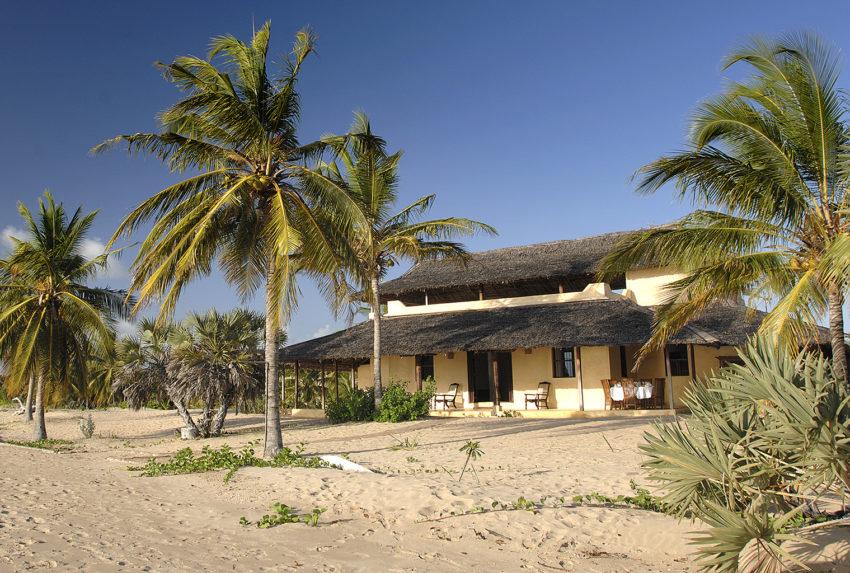 Kenya-Kizingoni-Villa-Beach