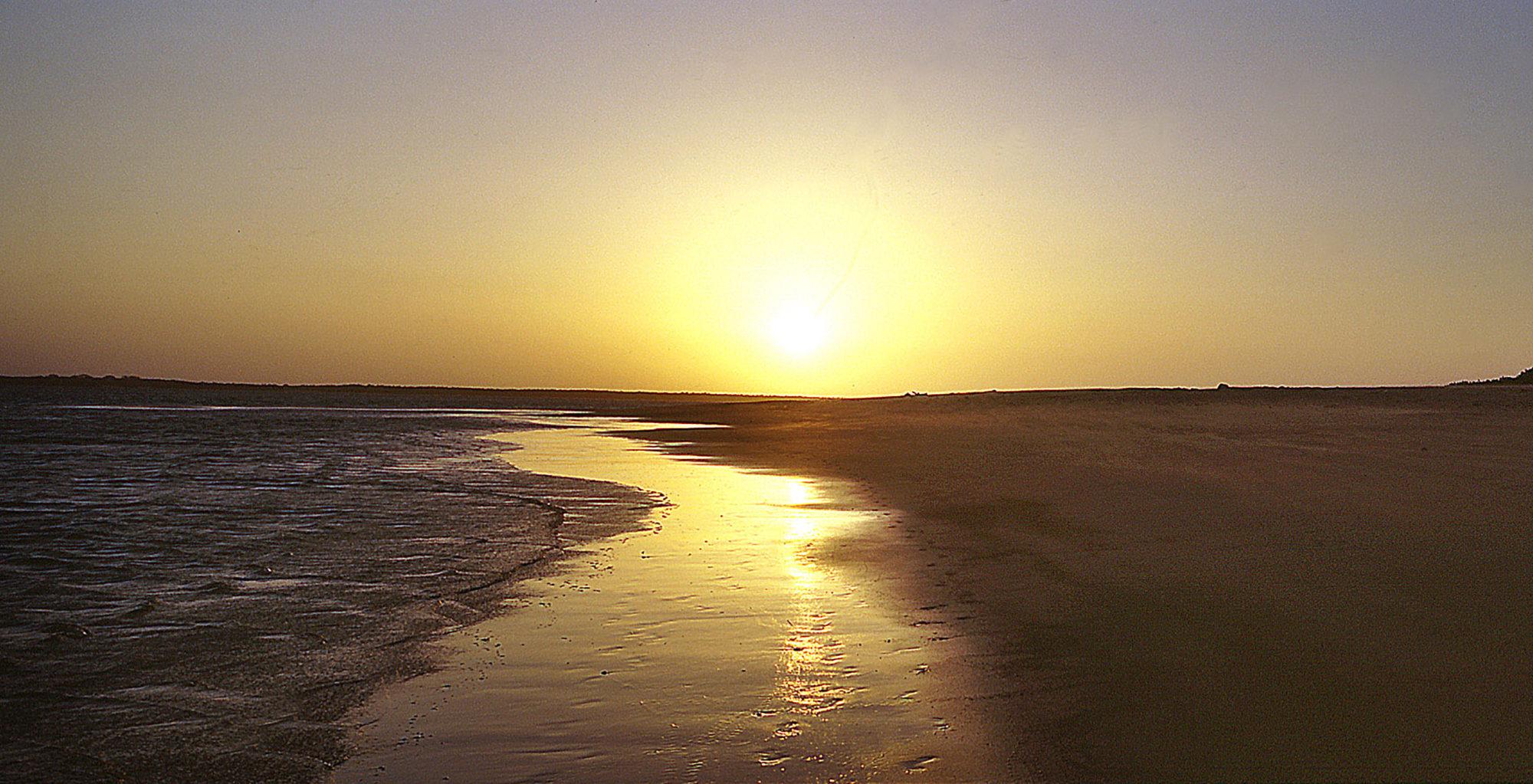 Kenya-Kizingo-Lodge-Sunset