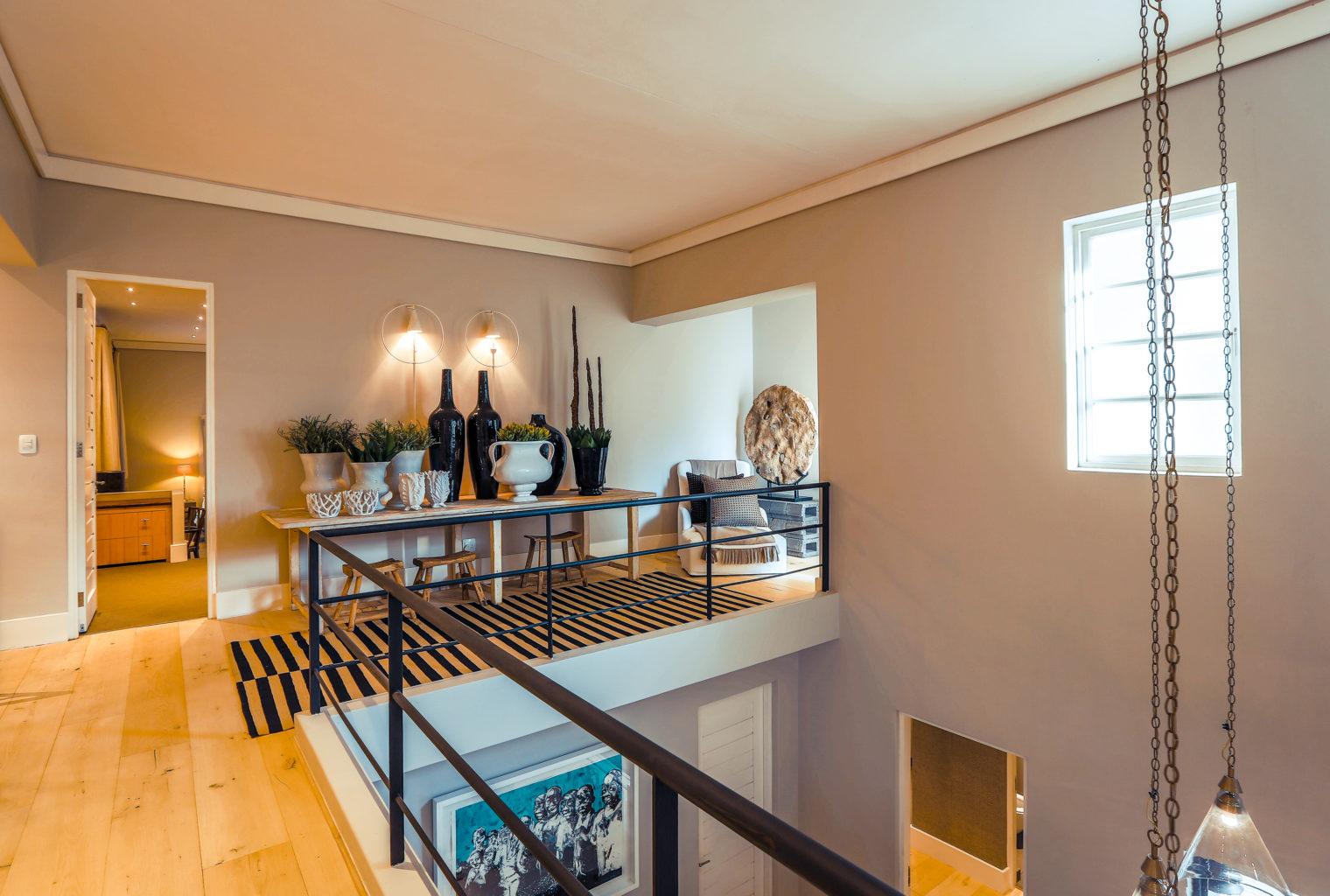 AtholPlace Hotel - upstairs hallway