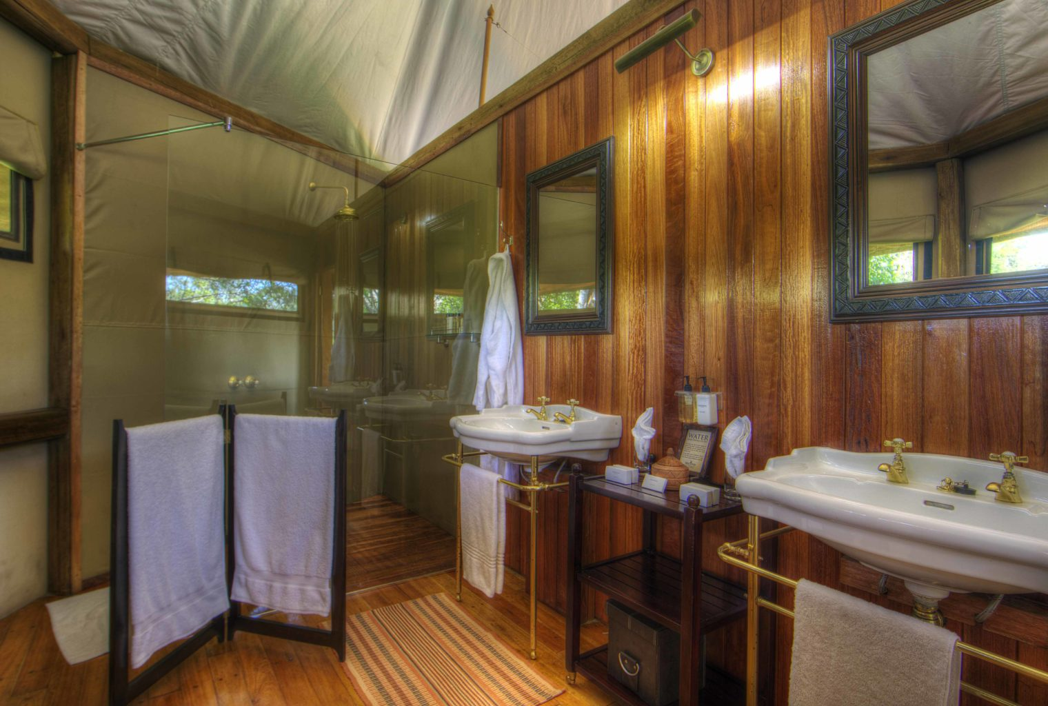 Kanana Camp Botswana Bathroom