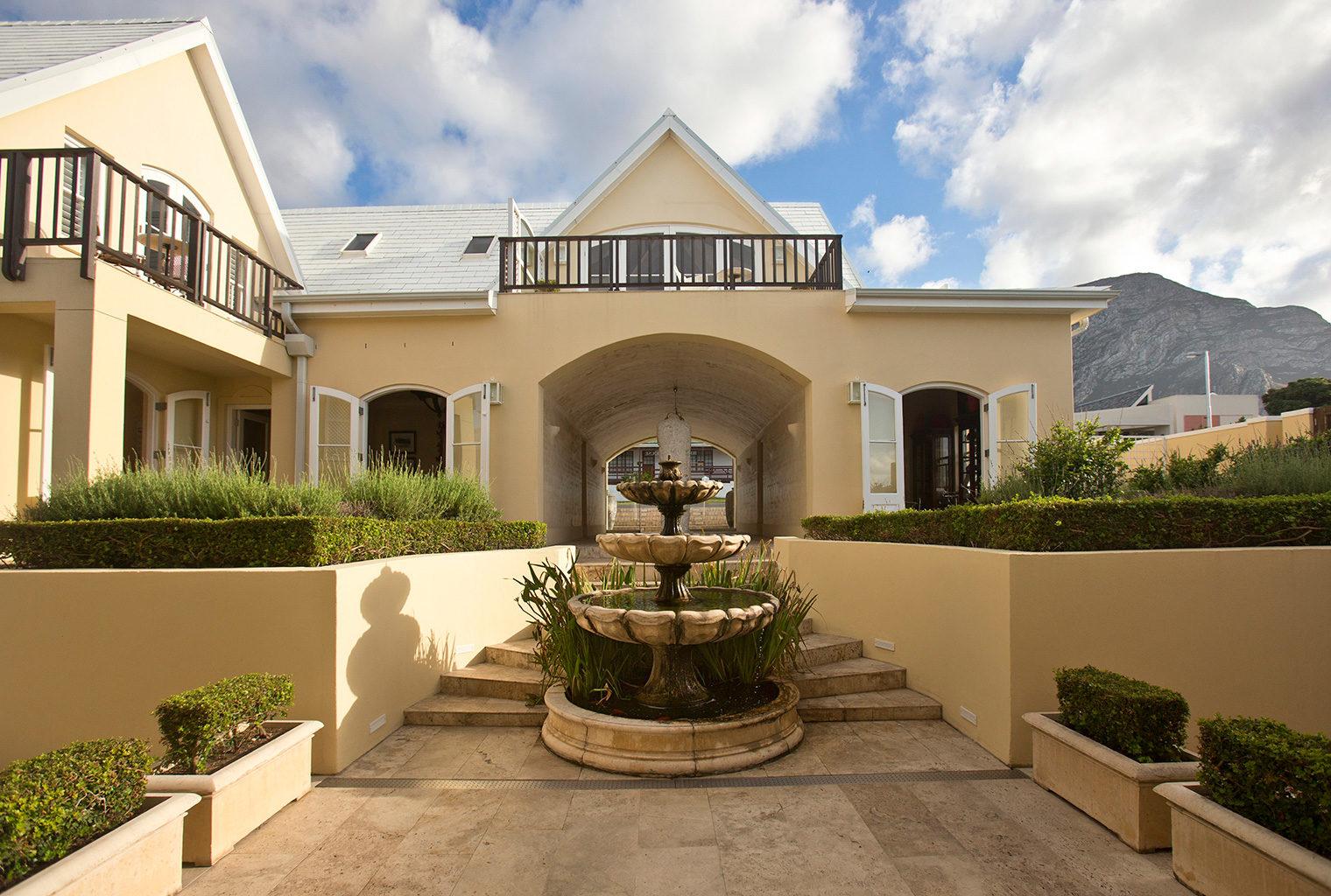 Birkenhead-House-South-Africa-Entrance