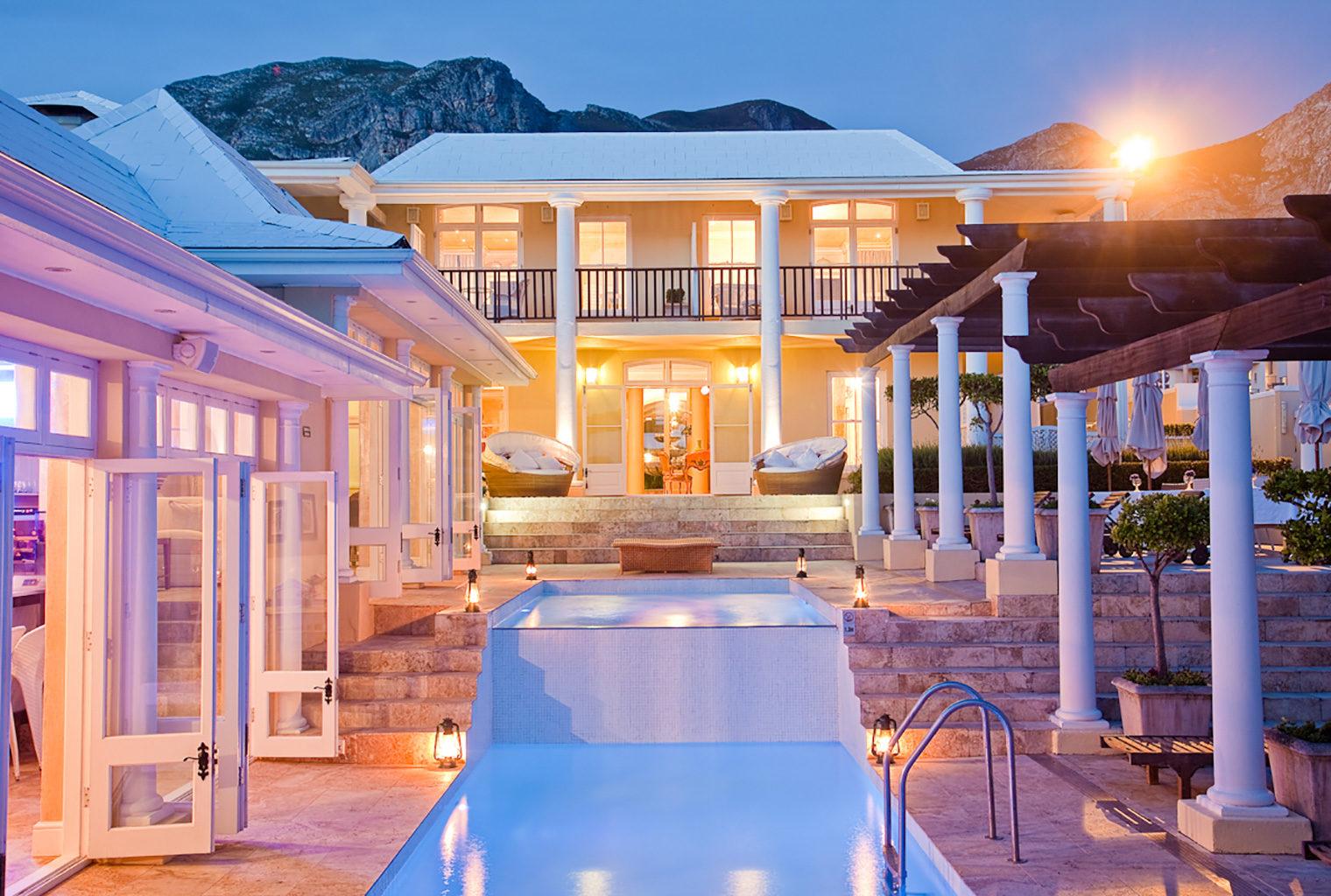 Birkenhead-House-South-Africa-Pool-Courtyard