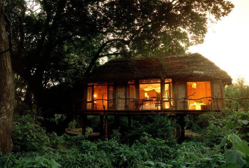 Tanzania-Manyara-Tree-Lodge-Exterior