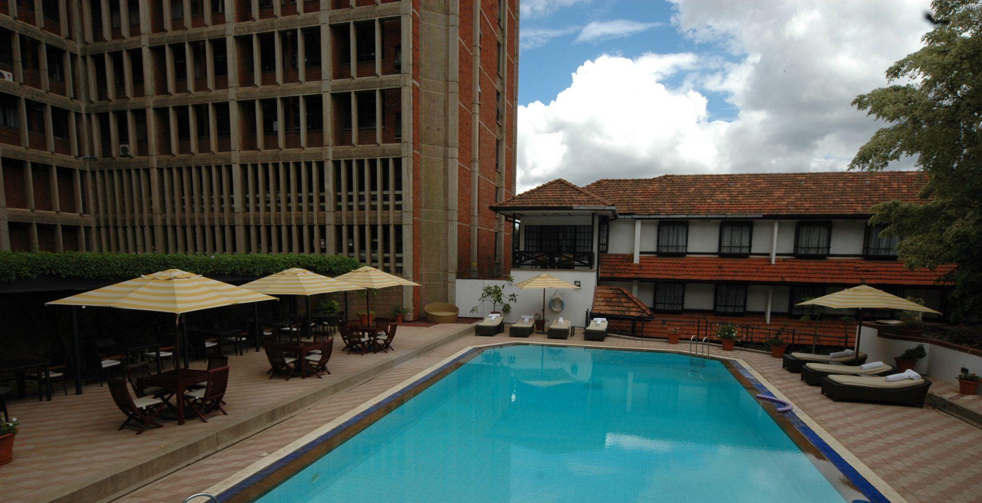 Kenya-Norfolk-Hotel-Bathroom