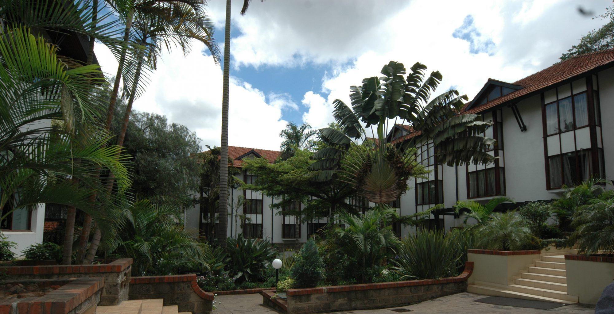 Kenya-Norfolk-Hotel-Exterior