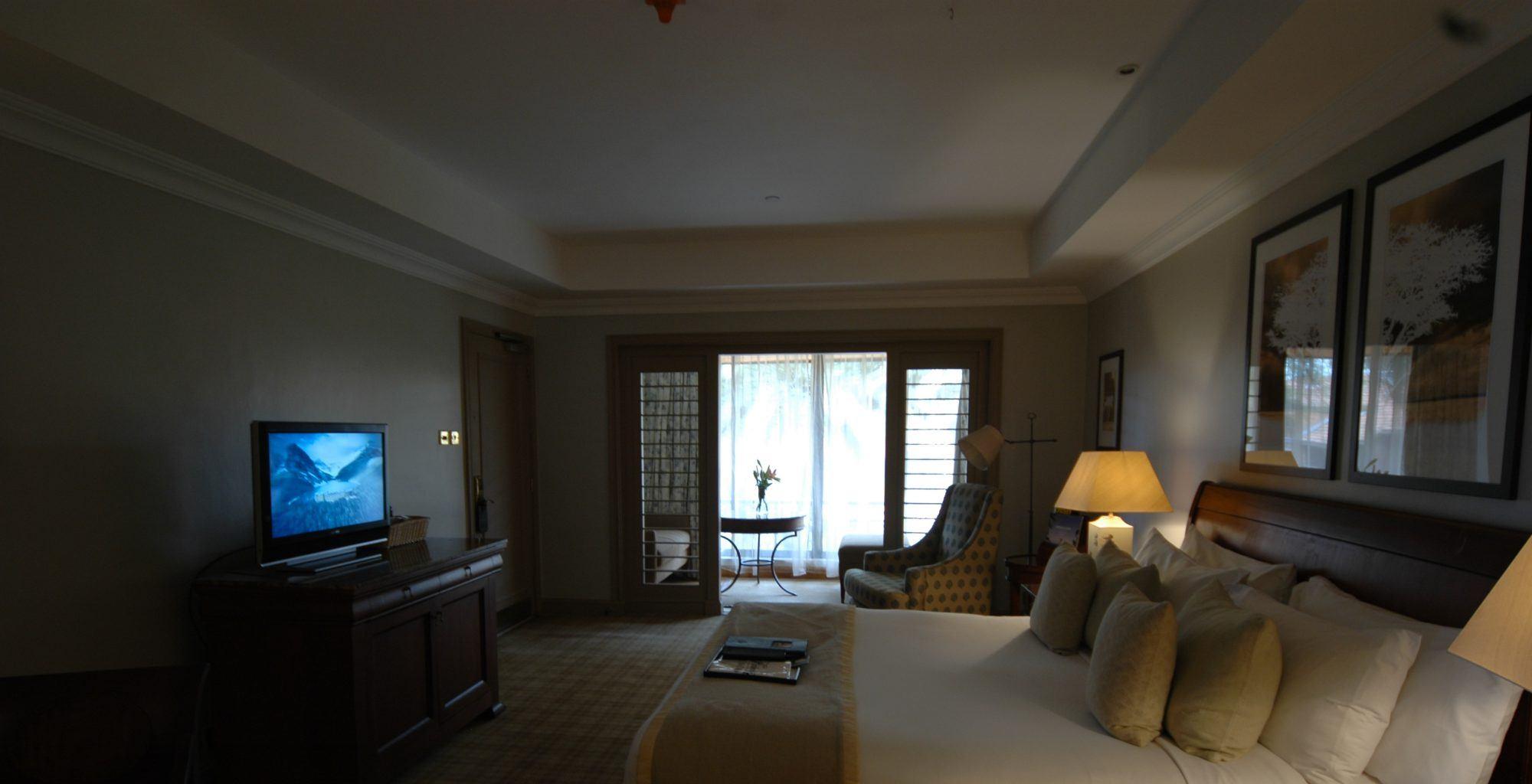 Kenya-Norfolk-Hotel-Bedroom