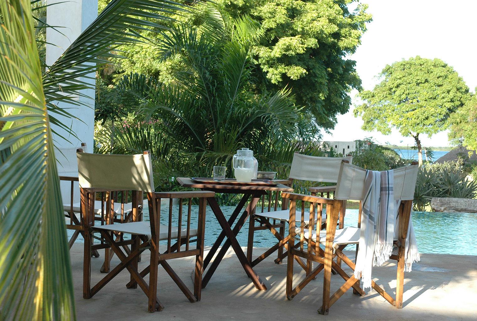 Dhow-House-Kenya-Outside-Table