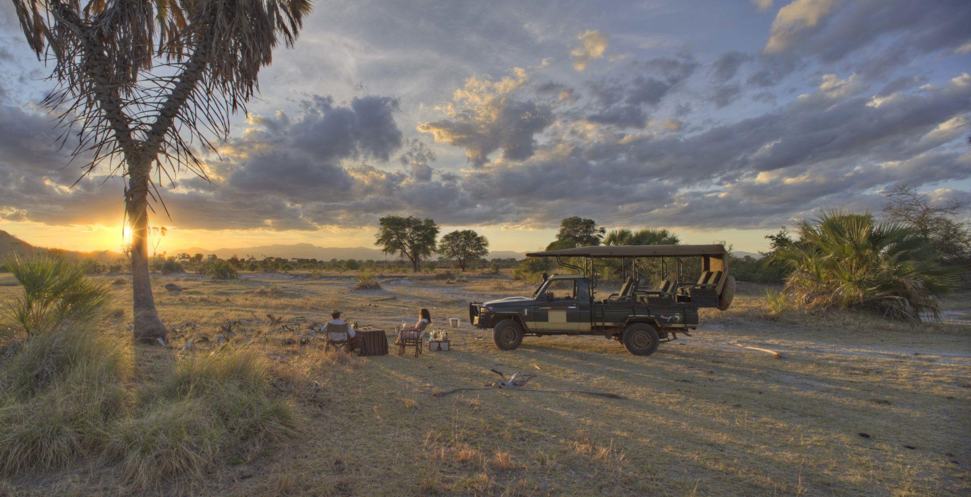Kenya-Meru-National-Park-Sundowner