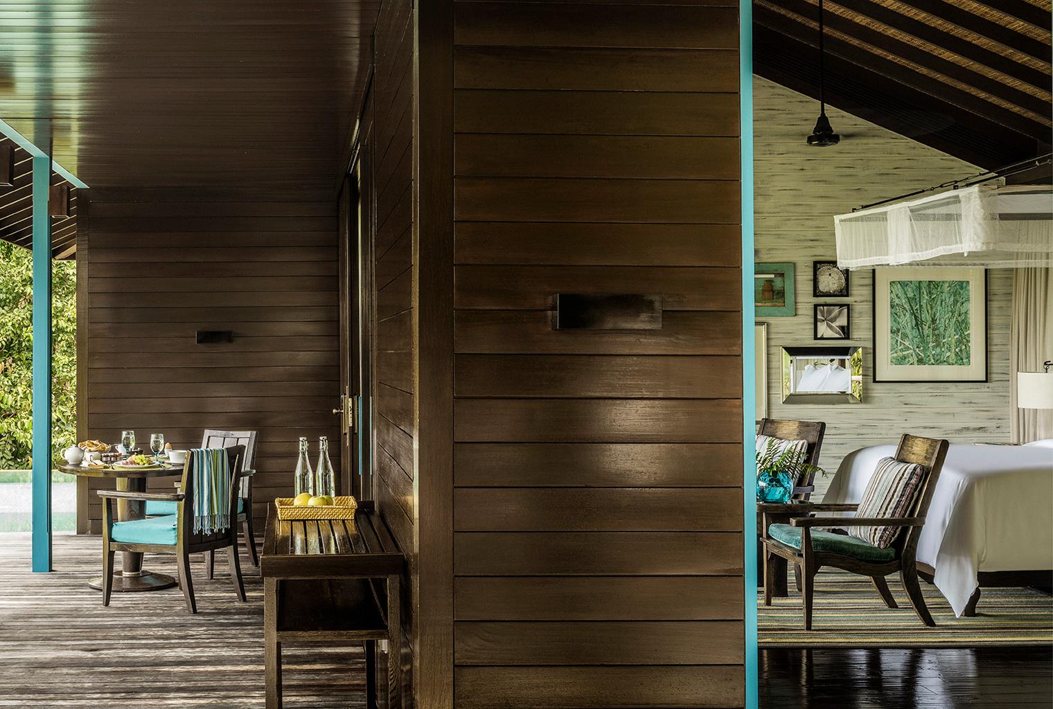 Four-Seasons-Seychelles-Bedroom-Deck