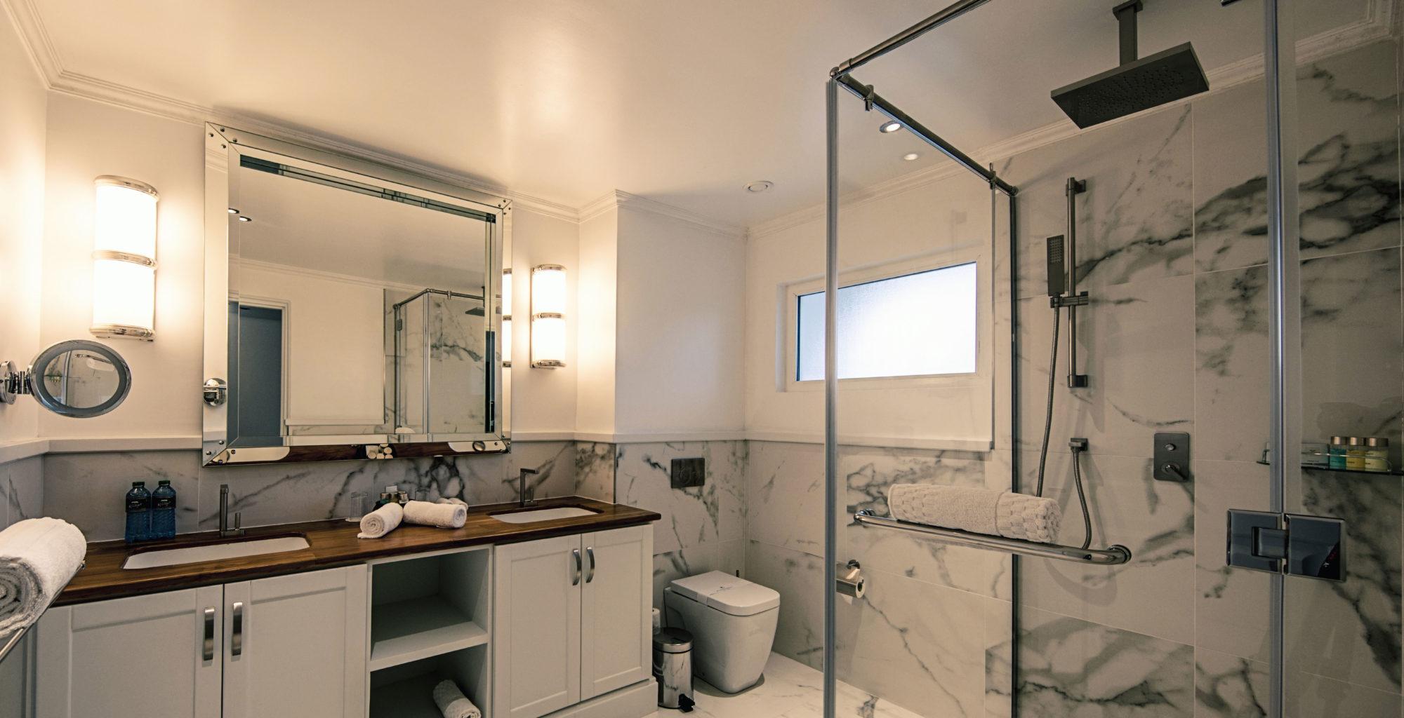 Hemingways-Watamu-Kenya-Mainland-Coast-Bathroom