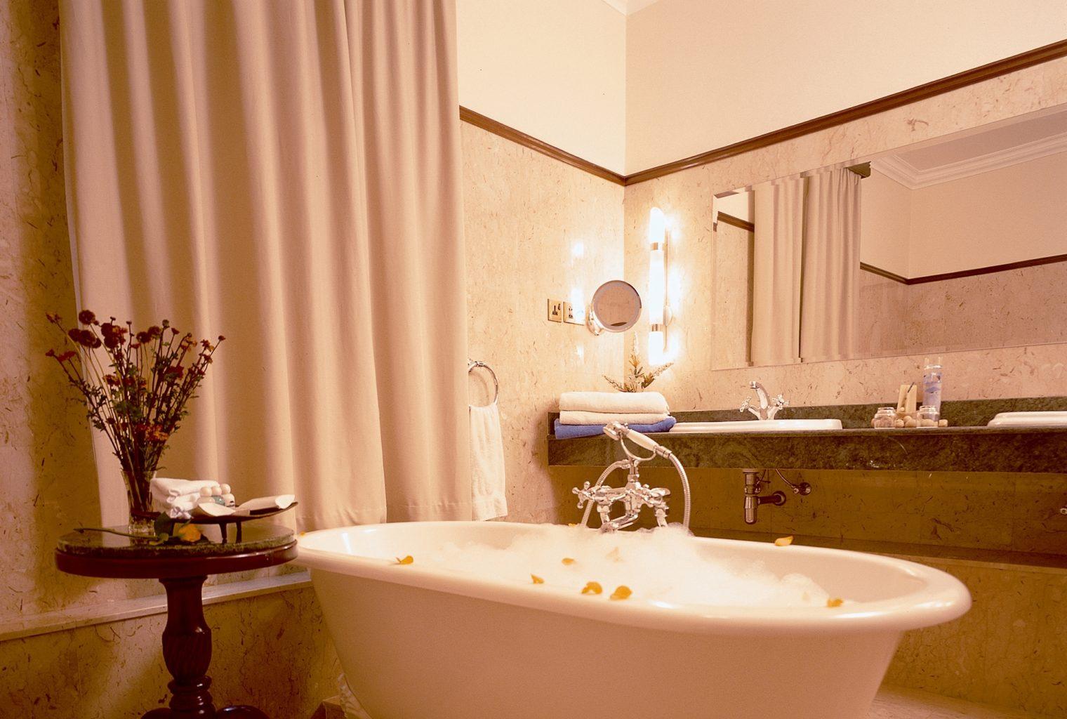 House of Waine Kenya Bath