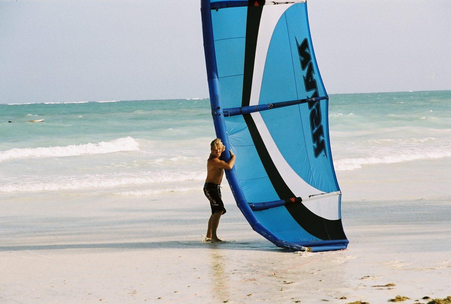 Kinondo Kwetu - Kite Surfing