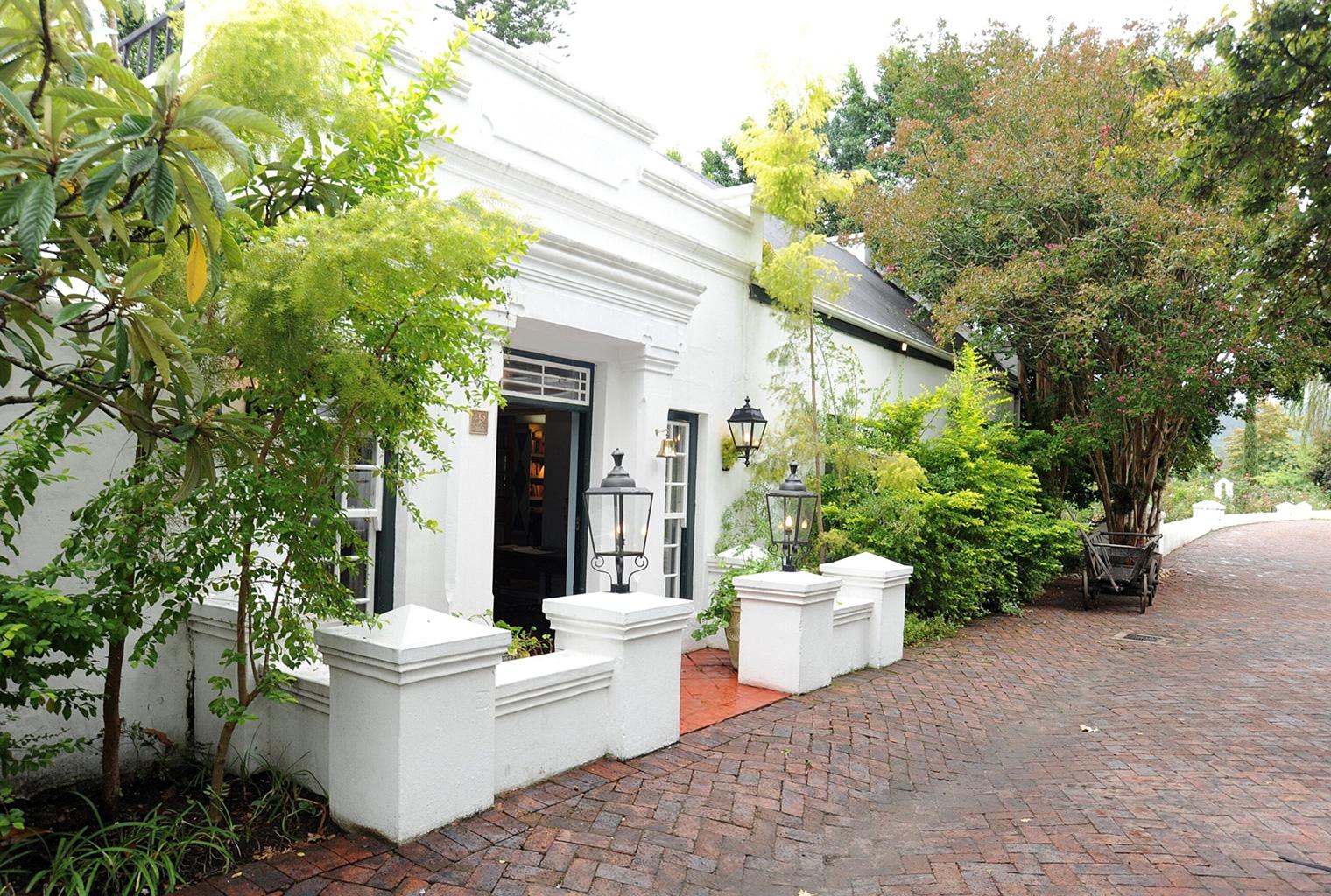 Kurland-Luxury-Hotel-South-Africa-Entrance
