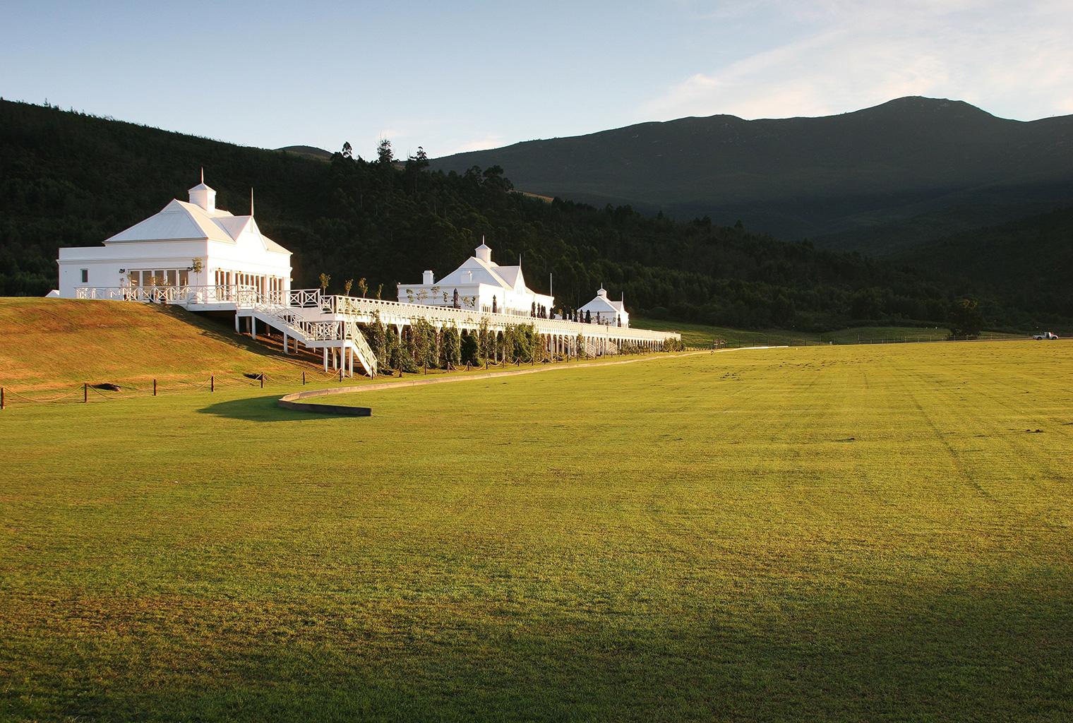 Kurland-Luxury-Hotel-South-Africa-Pavillion-Far