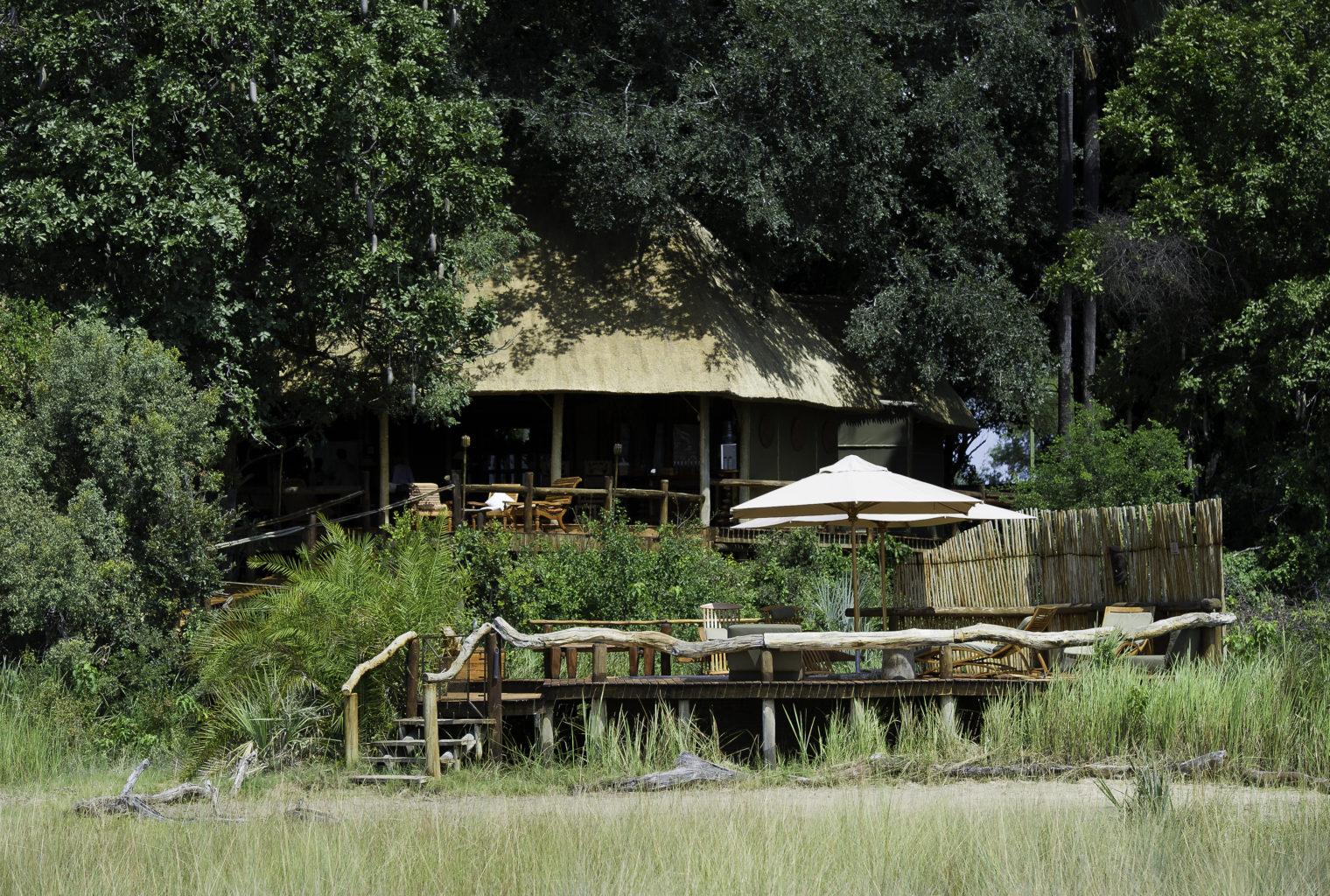 Botswana, Okavango Delta, Kwetsani Exterior