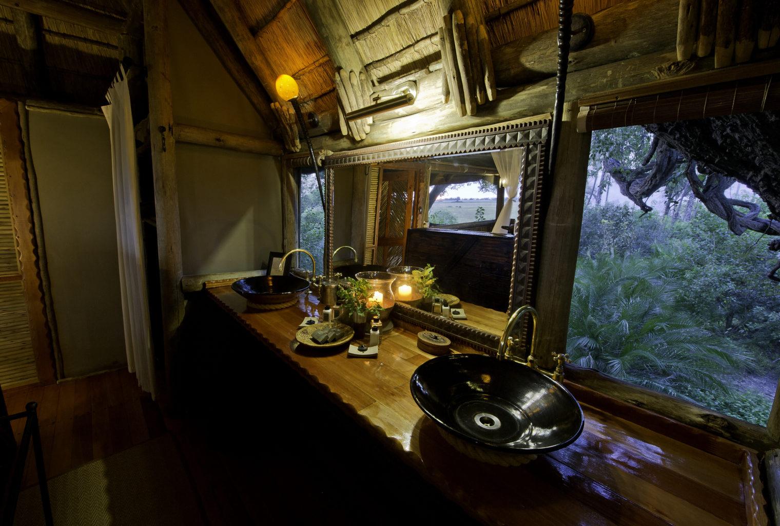 Botswana, Okavango Delta, Kwetsani Bathroom