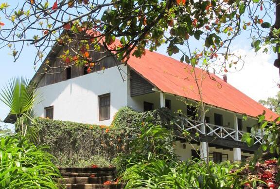 Ngare-sero-lodge-arusha-tanzania-main-house-exterior