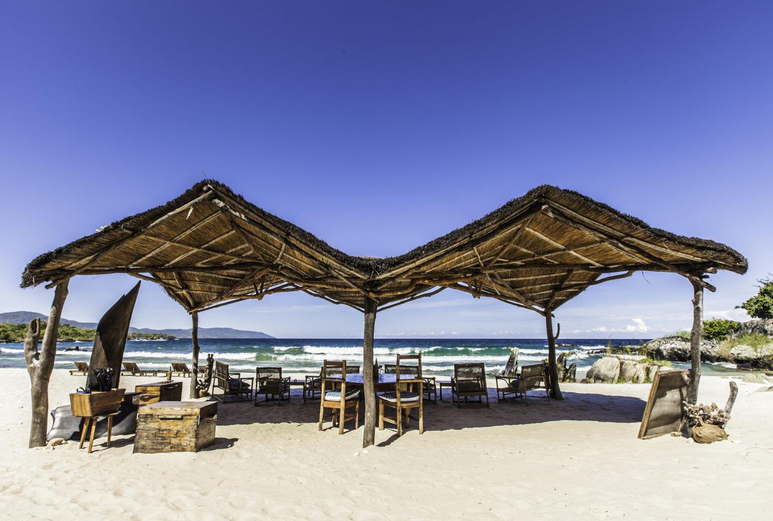 NNkwichi Lodge Malawi Beach
