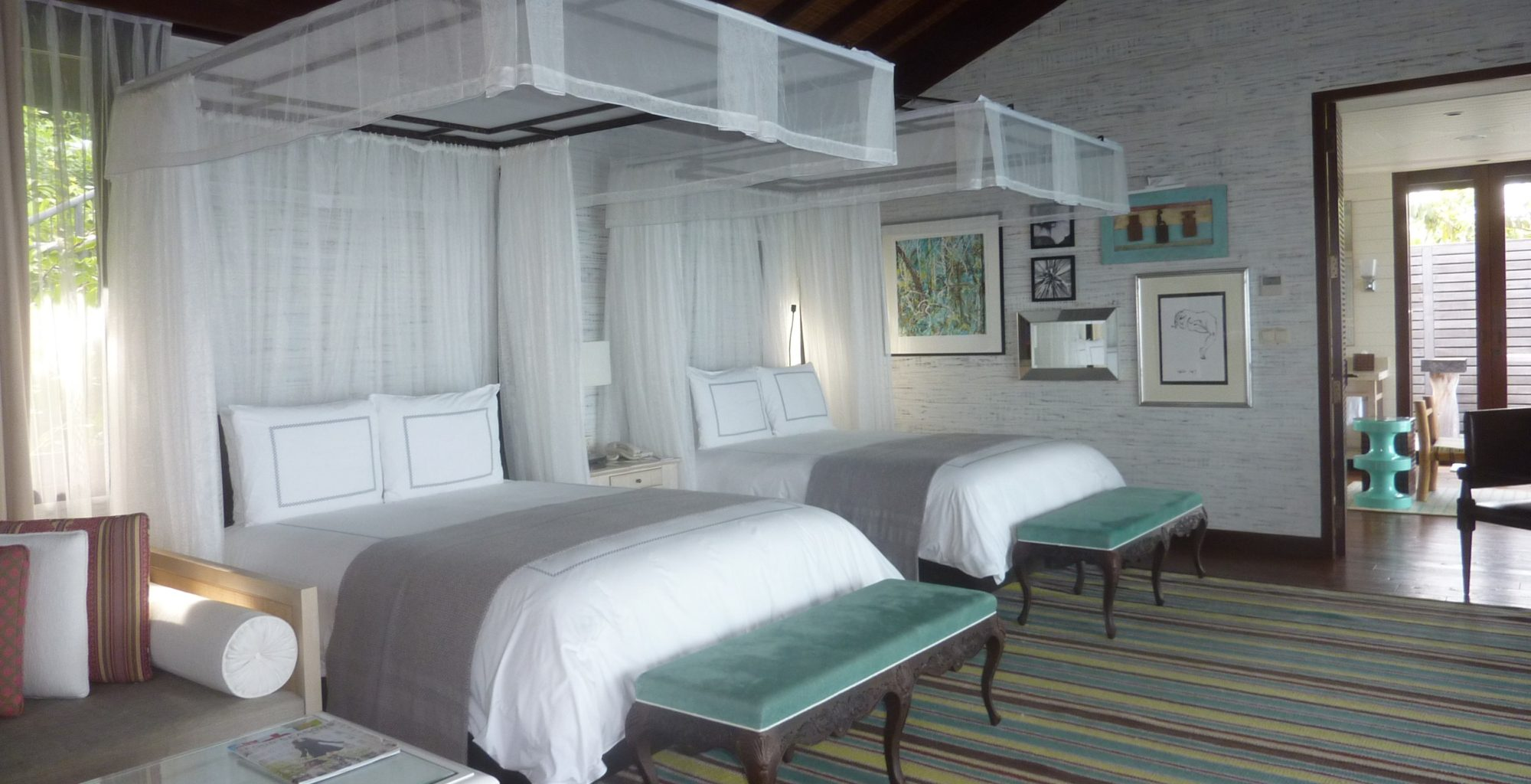 Seychelles-Four-Seasons-Bedroom