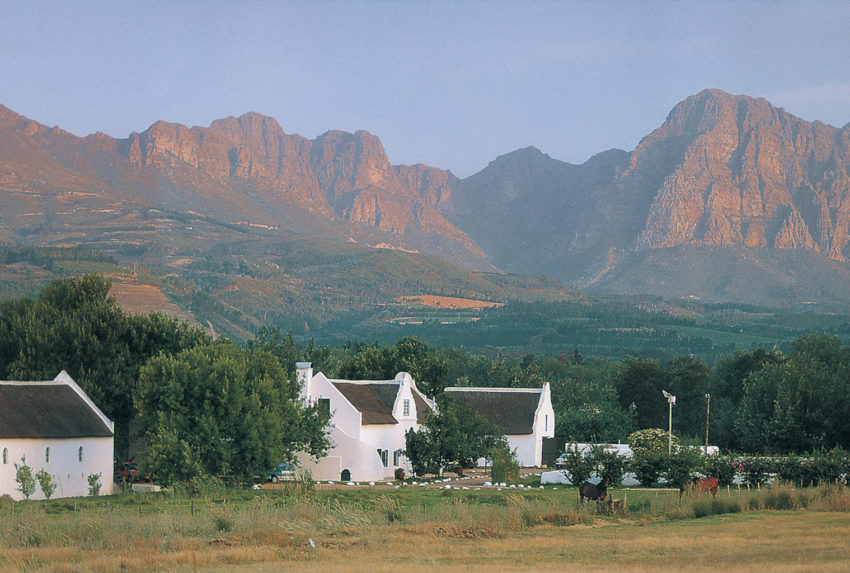 South-Africa-Roggeland-House-Mountain-View