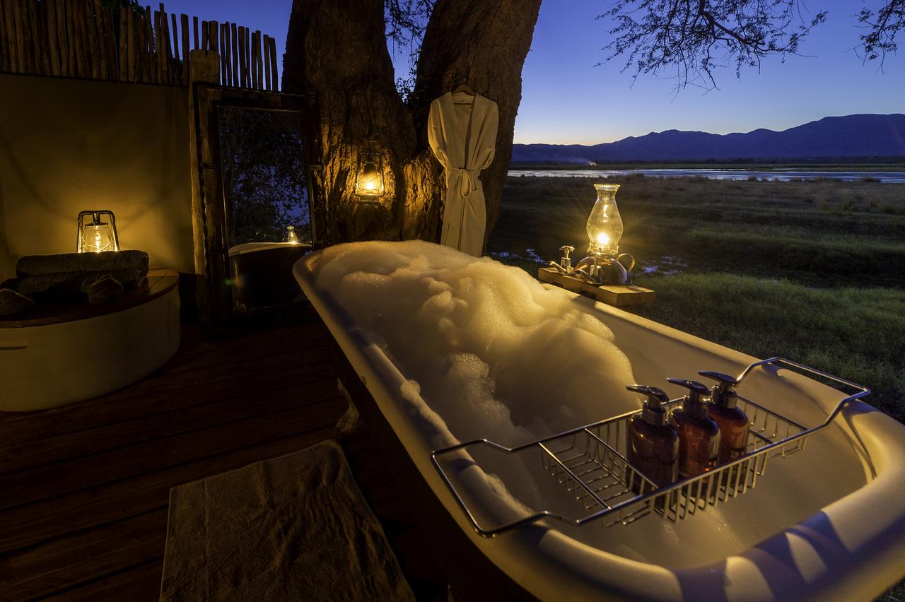 Ruckomechi Zimbabwe Bath