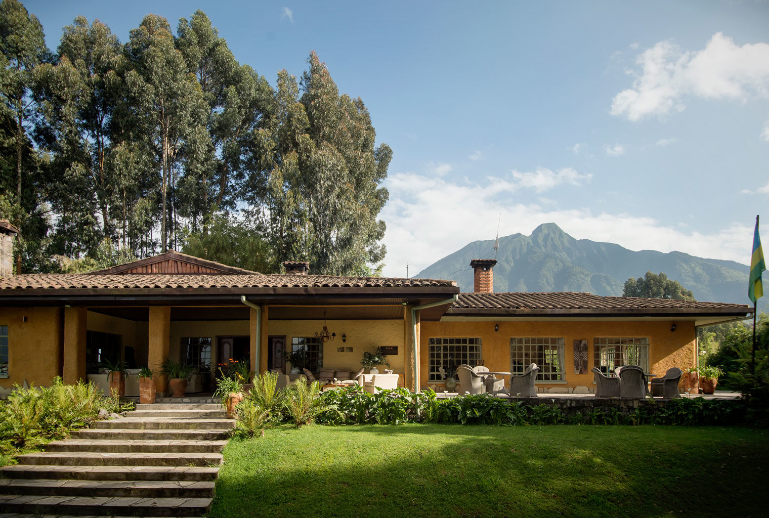 Sabyinyo-Silverback-Lodge-Rwanda-Exterior