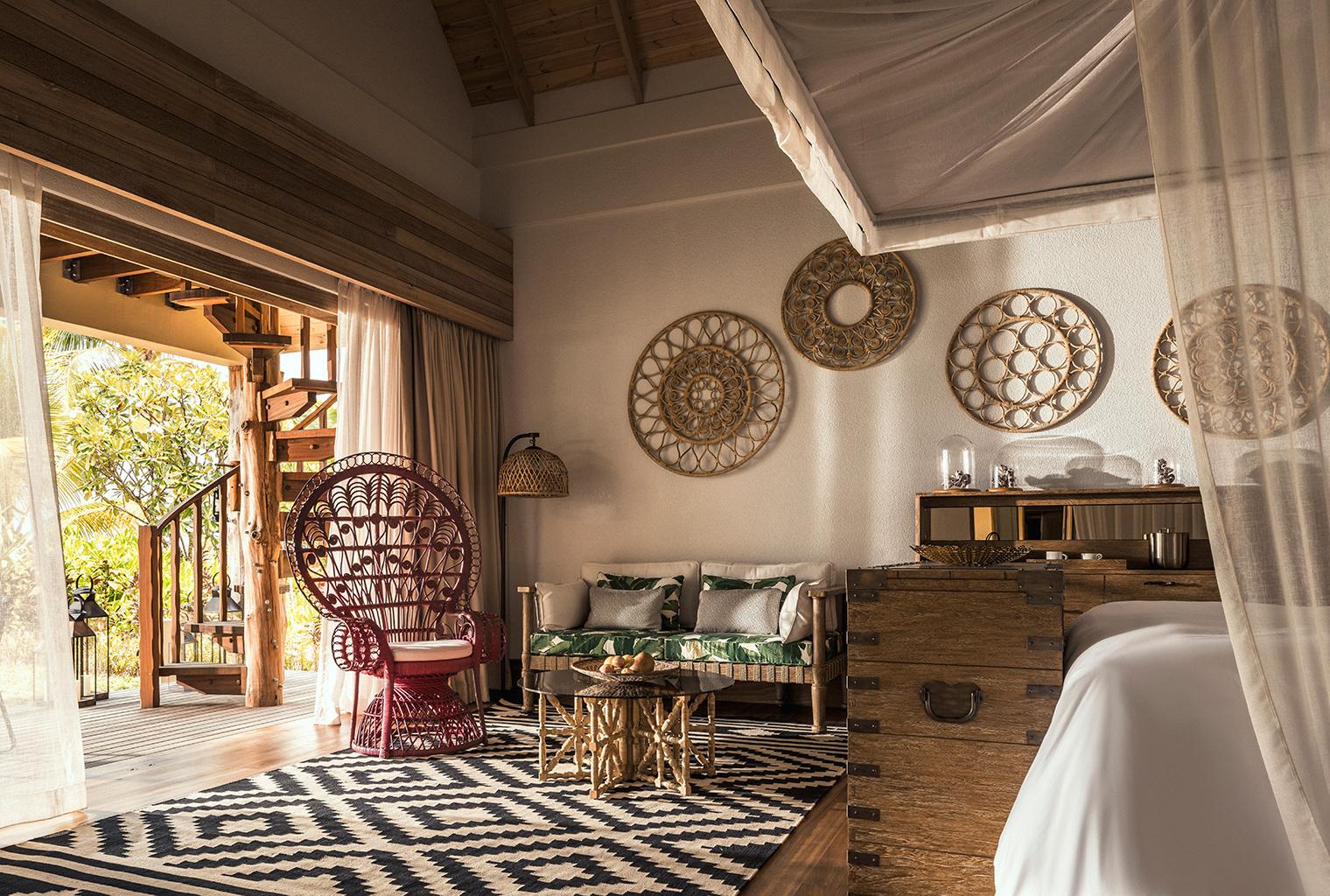 Seychelles-Desroches-Bedroom-Deck