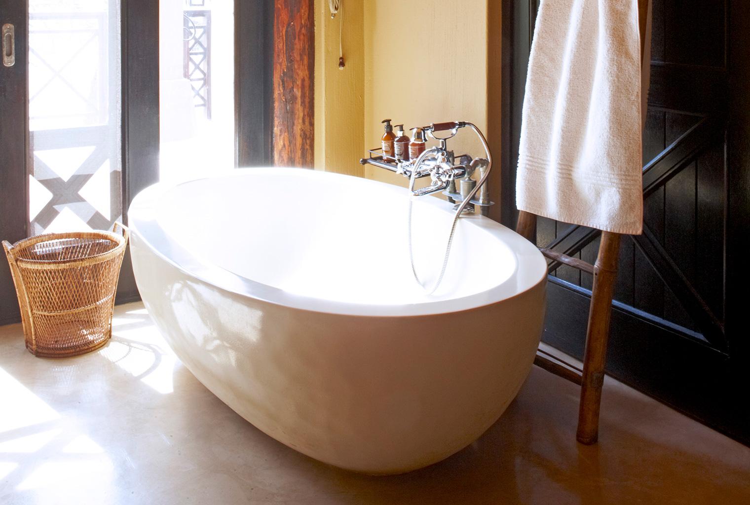 Thanda-Villa-Izulu-South-Africa-Bathroom