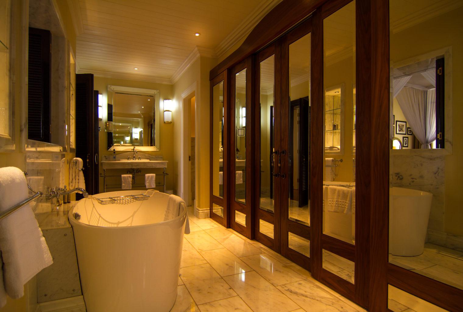 Hemingways Nairobi Kenya Bath