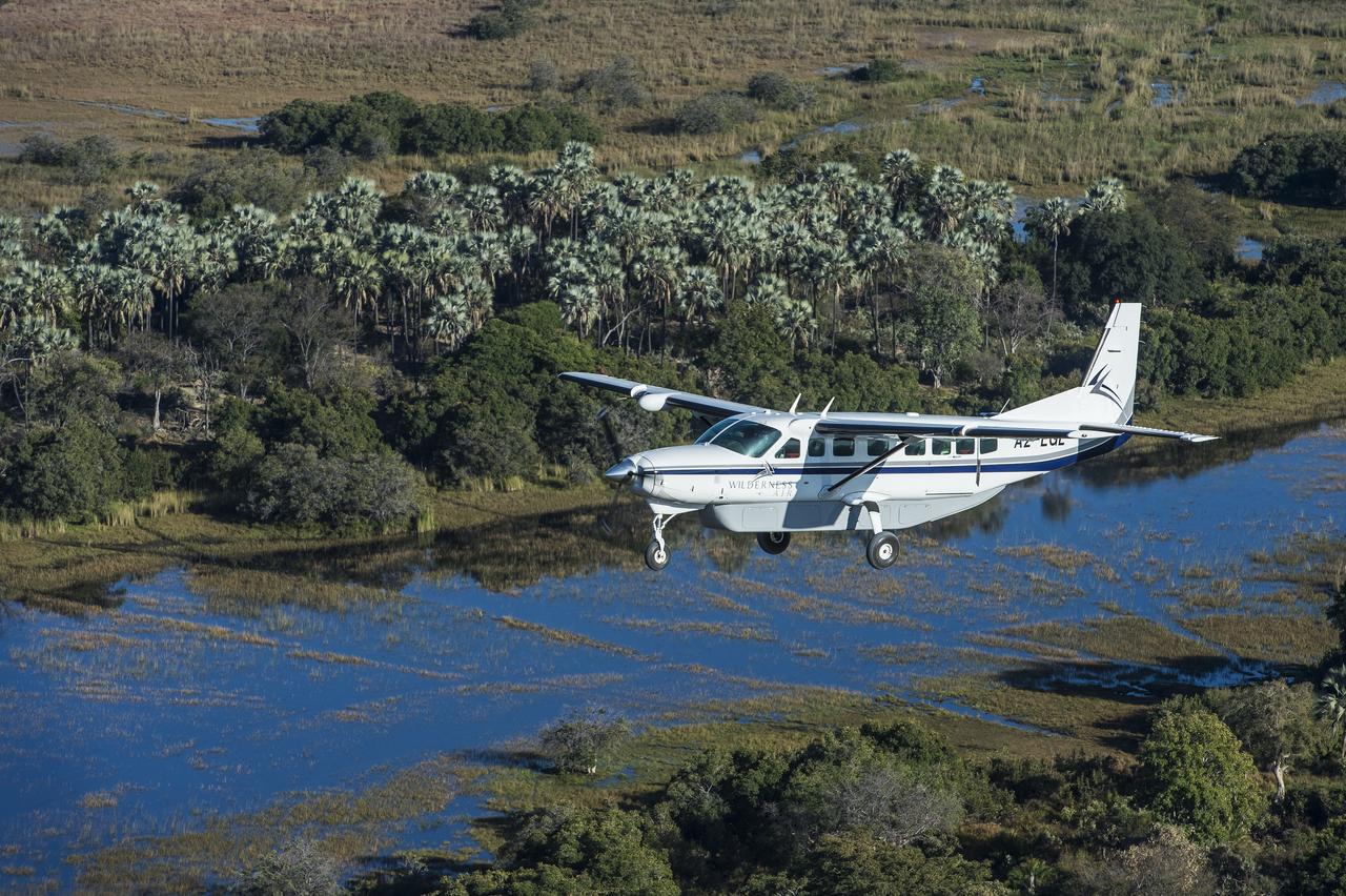 Mombo-Camp-Botswana-Plane