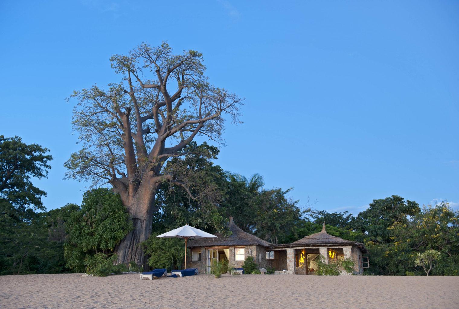 Malawi Exterior Kaya Mawa