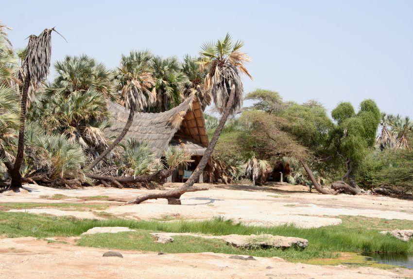 Kenya-Kalacha-Camp-Exterior