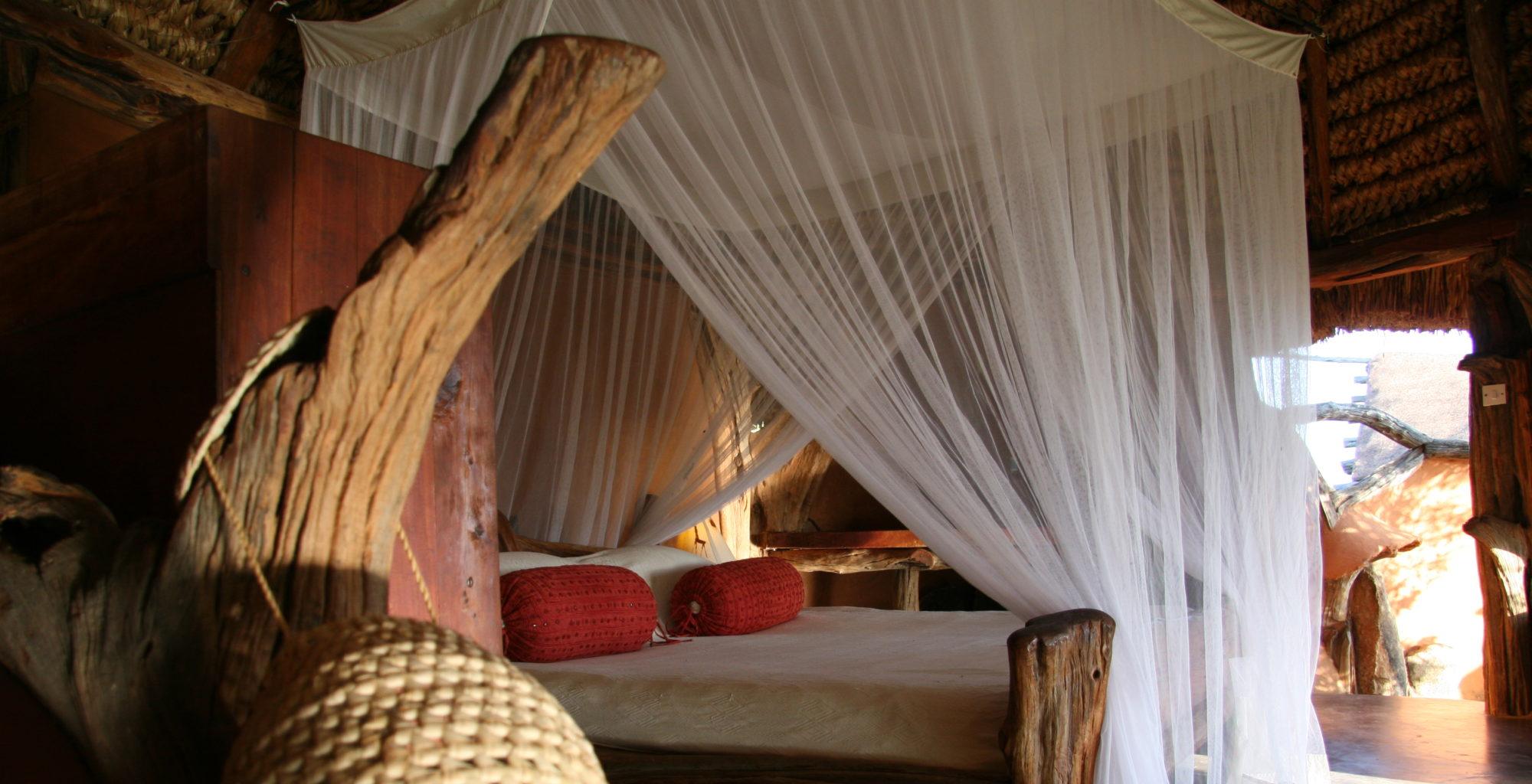 Tassia Lodge Kenya bed