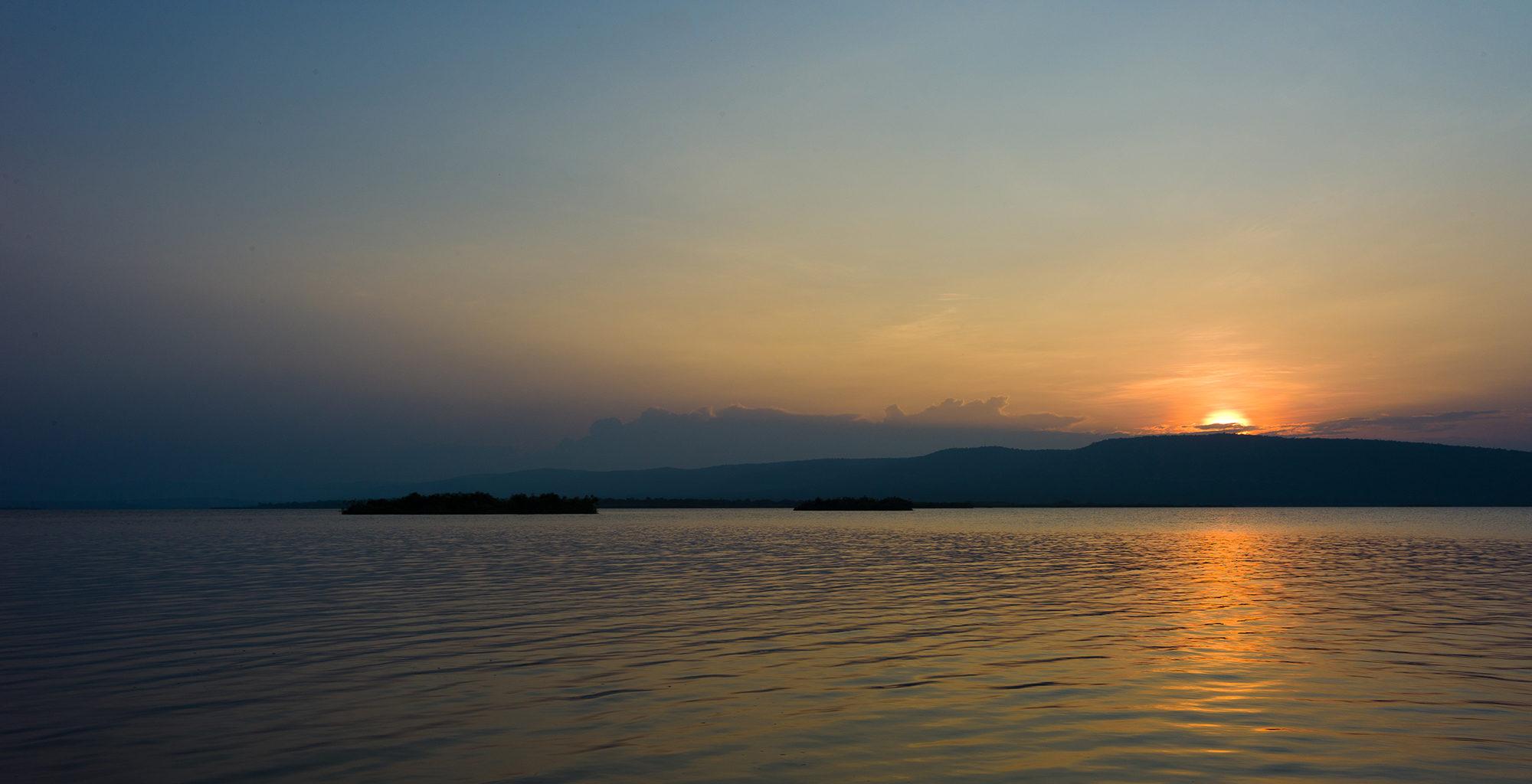 Rwanda-Akagera-National-Park-Sunset-Lake