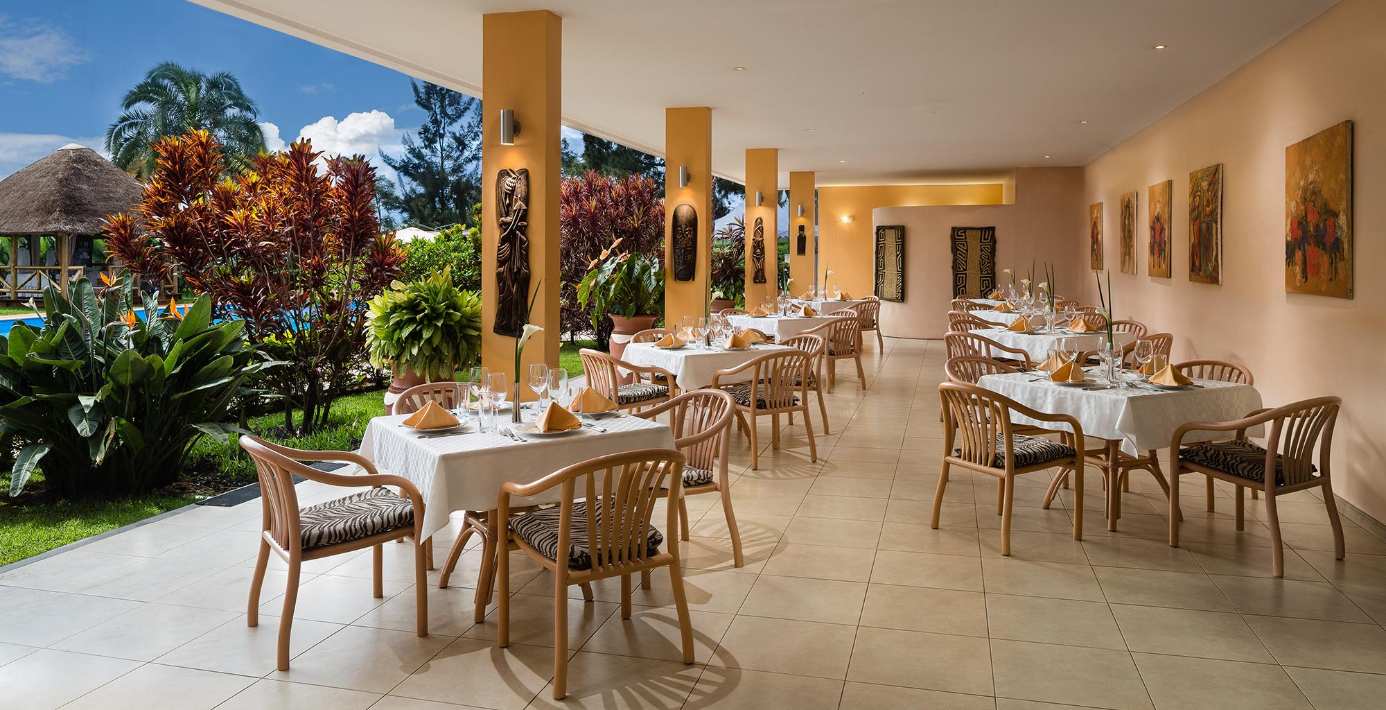 Rwanda-Hotel-Mille-Collines-Terrace