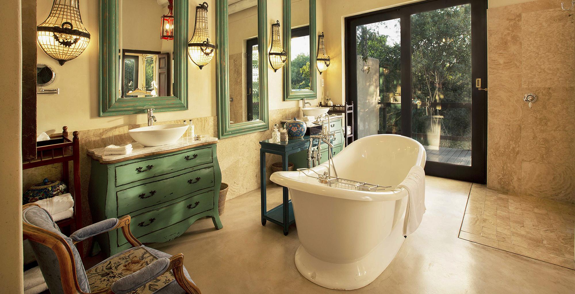 South-Africa-House-Bathroom