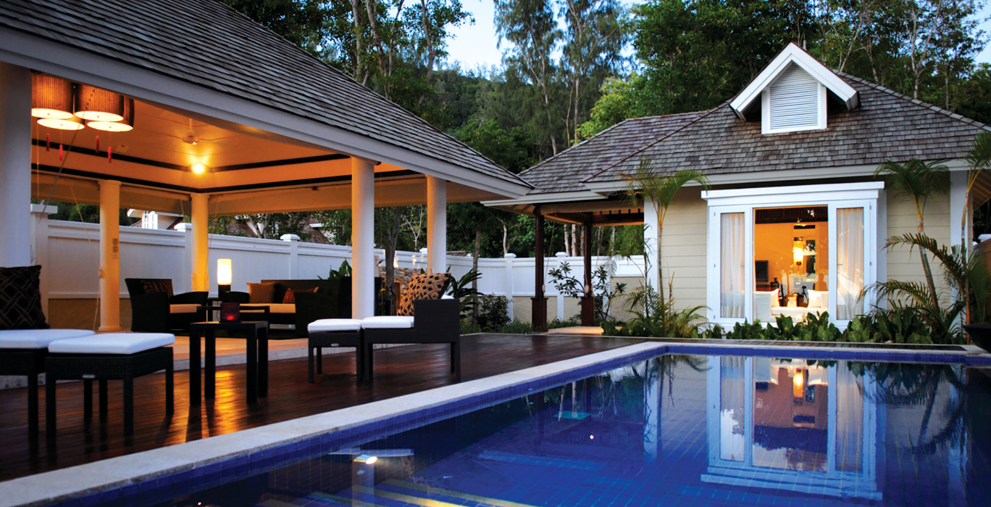 Seychelles-Banyan-Tree-Hotel-Swimming-Pool