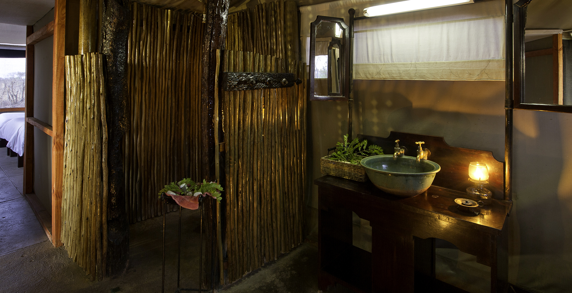 Zimbabwe-Davisons-Camp-Bathroom