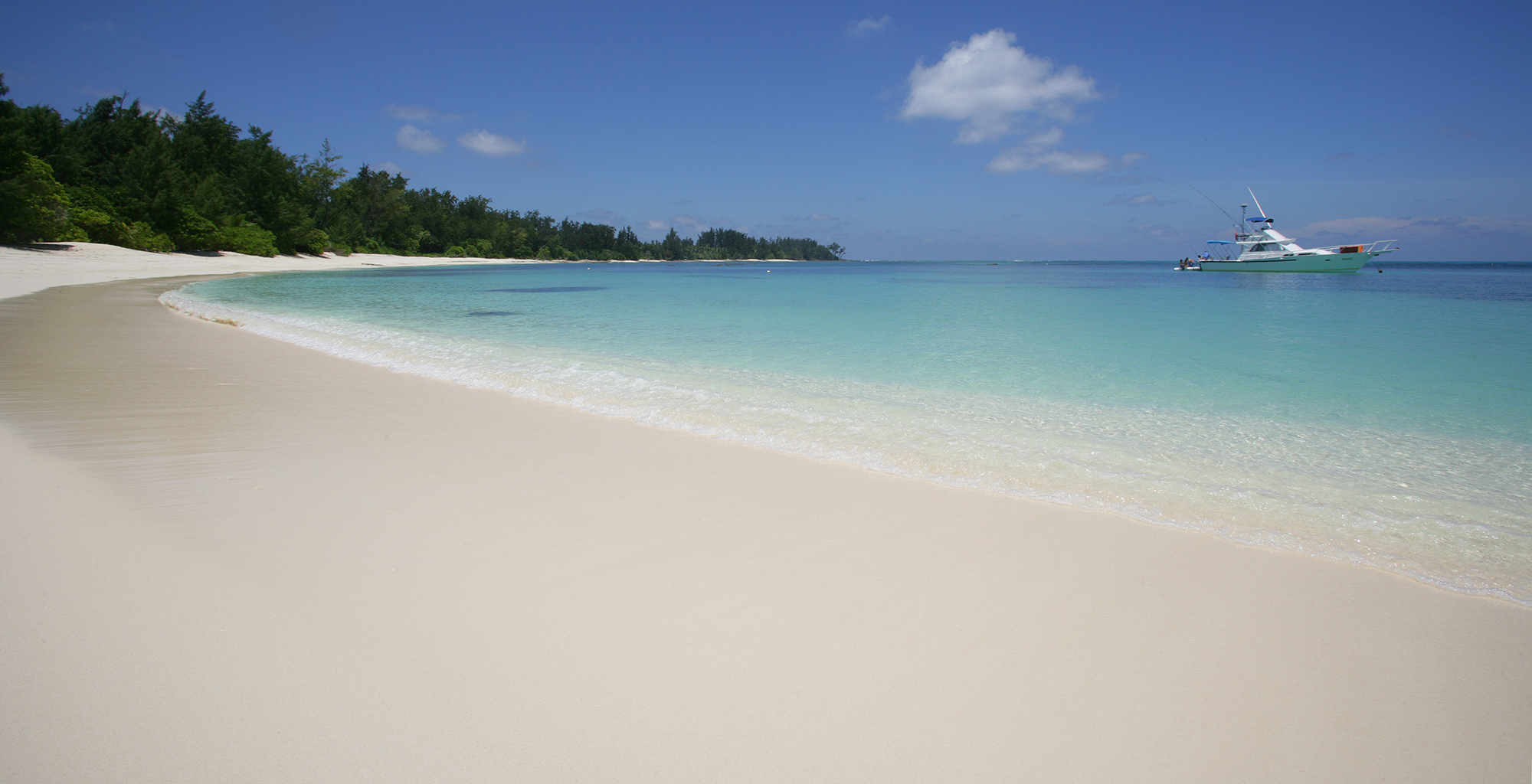 Seychelles-Denis-Island-Lodge-Beach