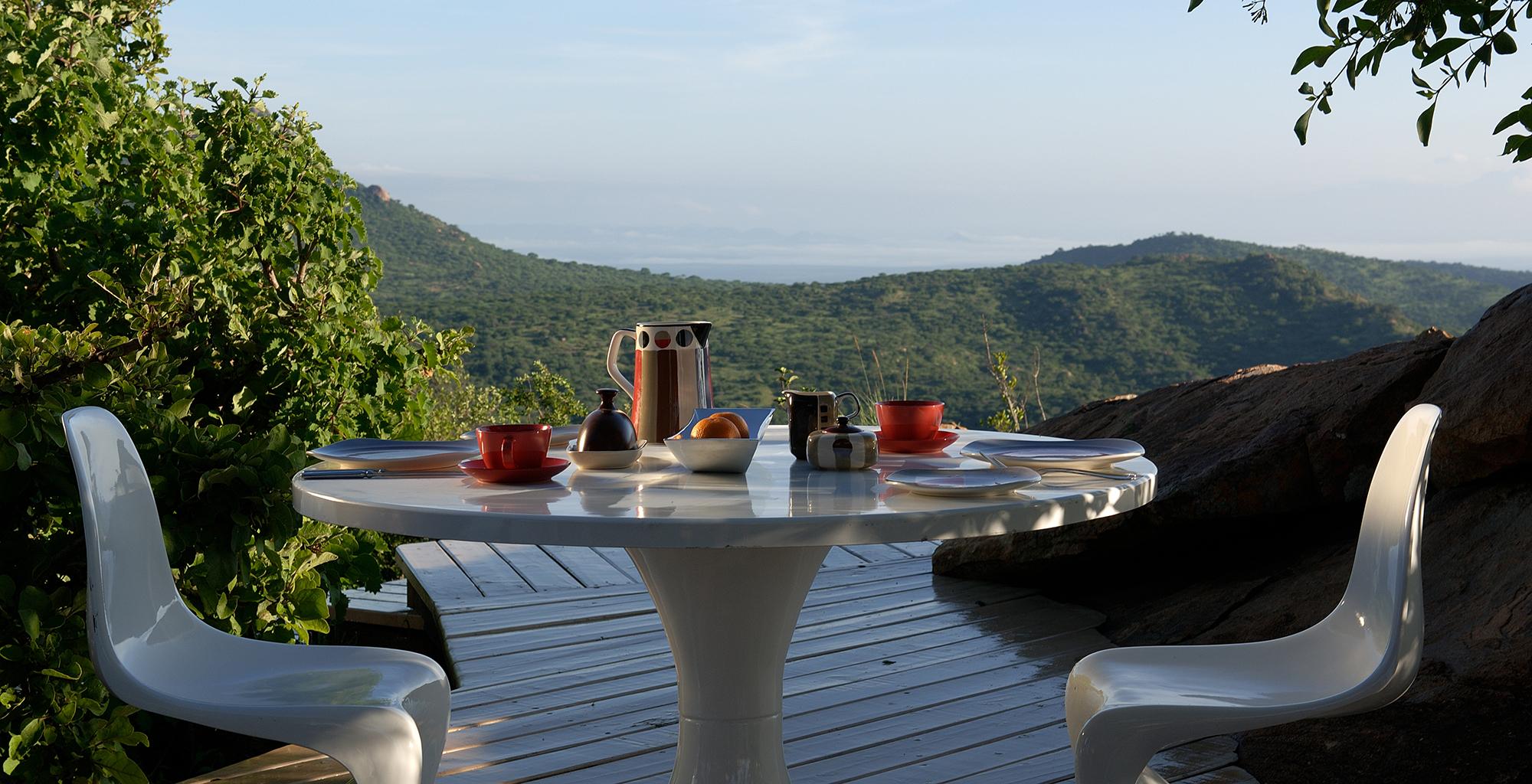 Kenya-Ol-Lentille-Deck-Dining